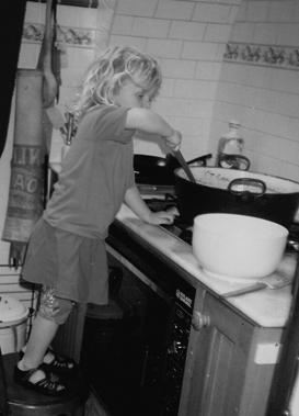 Sophie cooking jam2